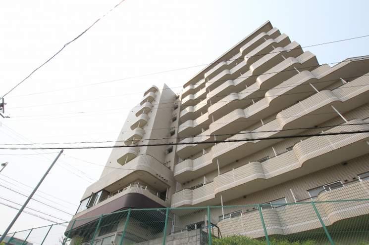 北海道札幌市豊平区、南平岸駅徒歩16分の築28年 8階建の賃貸マンション