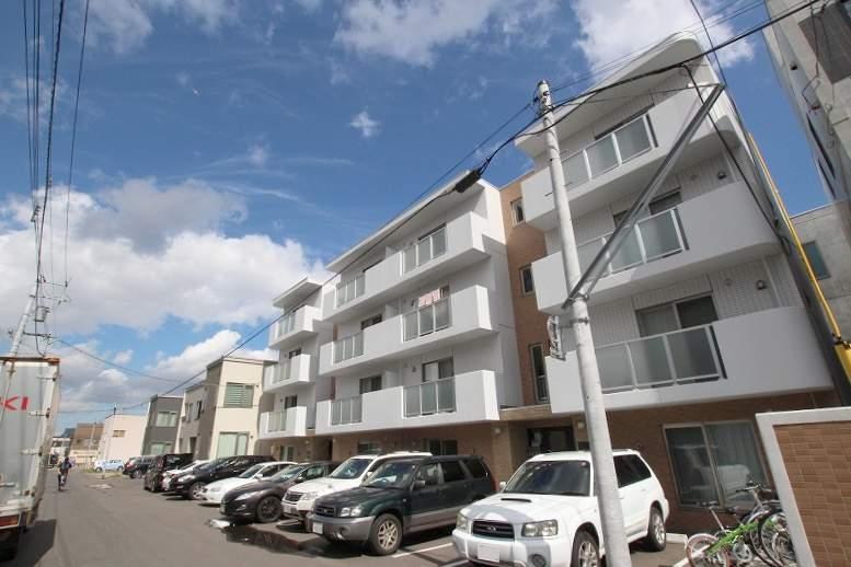 北海道札幌市豊平区、菊水駅徒歩11分の築5年 4階建の賃貸マンション