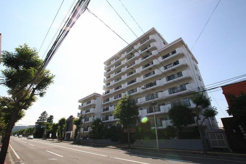 北海道札幌市豊平区、平岸駅徒歩17分の築36年 10階建の賃貸マンション