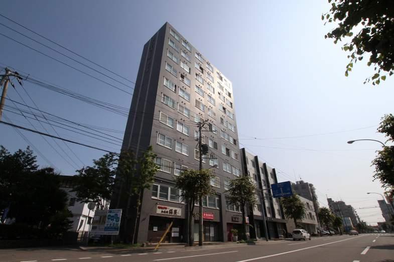 北海道札幌市豊平区、幌平橋駅徒歩11分の築27年 11階建の賃貸マンション