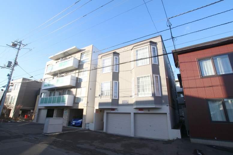 北海道札幌市豊平区、中の島駅徒歩13分の築17年 3階建の賃貸アパート