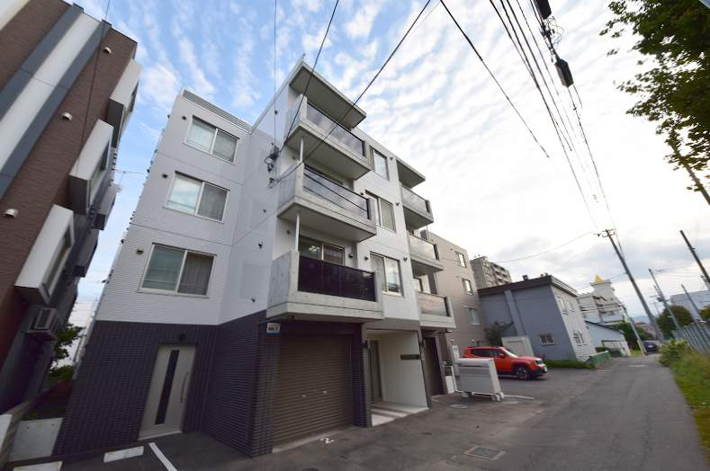 北海道札幌市豊平区、中の島駅徒歩14分の築1年 4階建の賃貸マンション