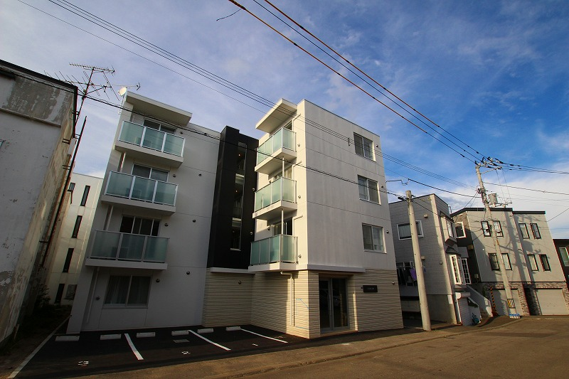 北海道札幌市豊平区、平岸駅徒歩16分の新築 4階建の賃貸マンション