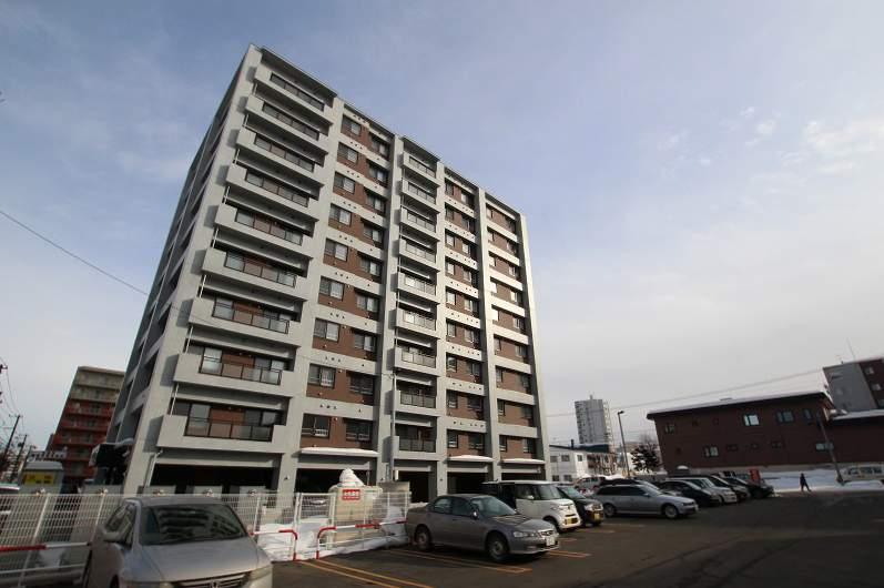 北海道札幌市豊平区、平岸駅徒歩9分の新築 10階建の賃貸マンション