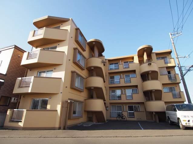 北海道札幌市豊平区、澄川駅徒歩16分の築25年 4階建の賃貸マンション