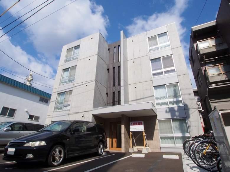 北海道札幌市豊平区、豊平公園駅徒歩15分の築3年 4階建の賃貸マンション