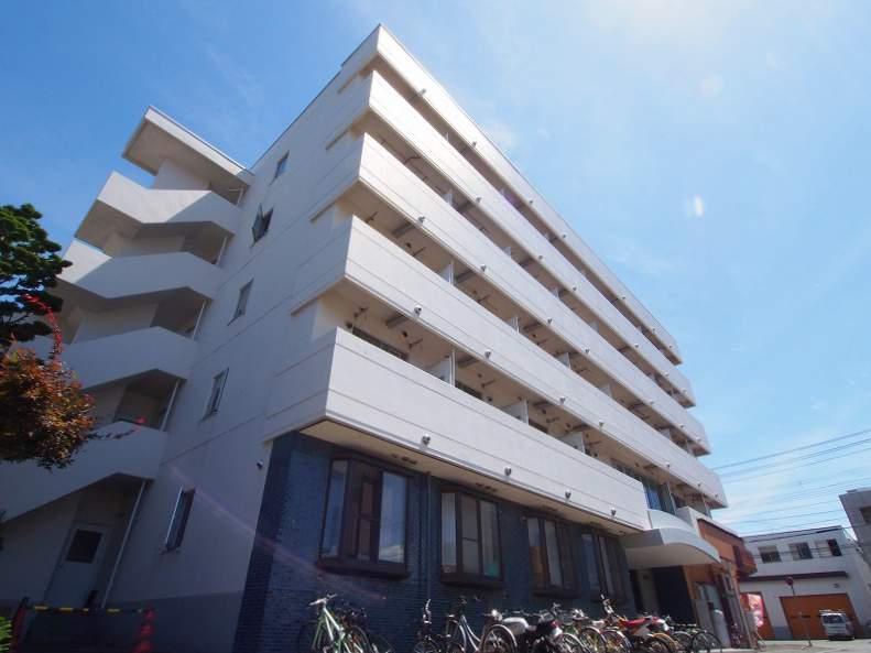 北海道札幌市豊平区、平岸駅徒歩10分の築29年 5階建の賃貸マンション