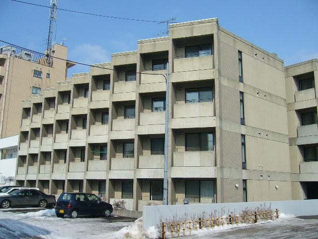 北海道札幌市豊平区、南郷7丁目駅徒歩10分の築28年 4階建の賃貸マンション