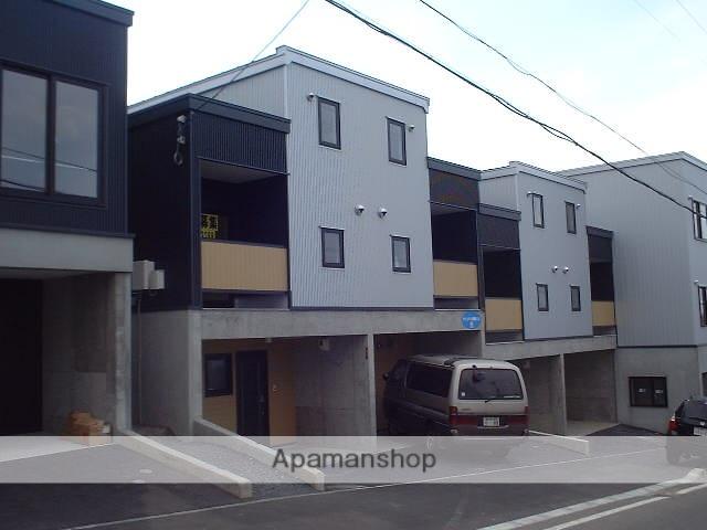 北海道札幌市豊平区、南平岸駅中央バスバス15分西岡1−8下車後徒歩1分の築12年 3階建の賃貸アパート