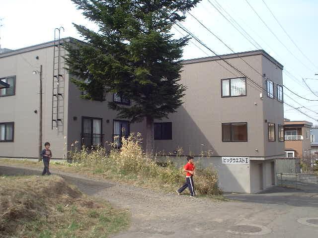 北海道札幌市豊平区、南平岸駅徒歩19分の築13年 3階建の賃貸アパート