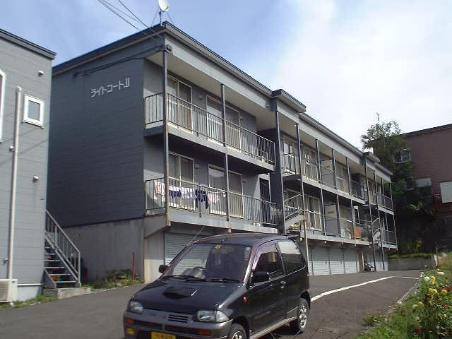 北海道札幌市豊平区、澄川駅中央バスバス10分西岡2−14下車後徒歩1分の築21年 3階建の賃貸アパート