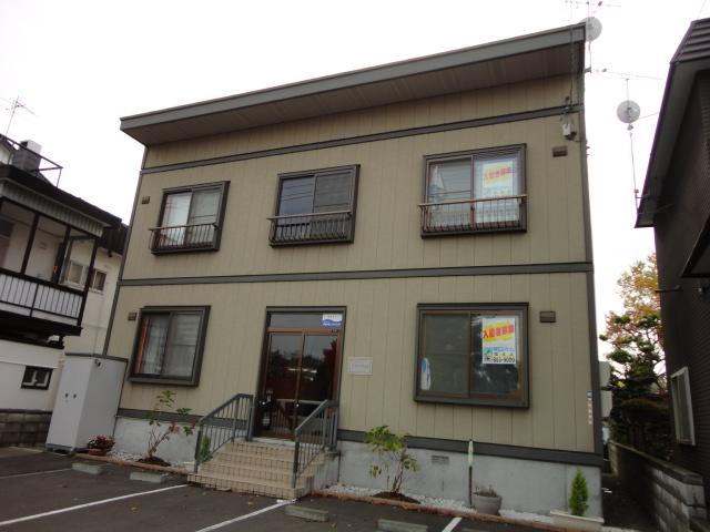 北海道札幌市豊平区、美園駅徒歩20分の築13年 2階建の賃貸アパート
