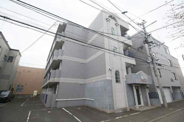 北海道札幌市豊平区、平岸駅徒歩8分の築29年 4階建の賃貸マンション