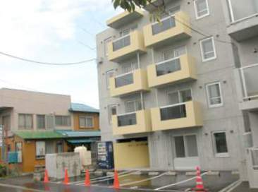 北海道札幌市豊平区、東札幌駅徒歩17分の築9年 4階建の賃貸マンション