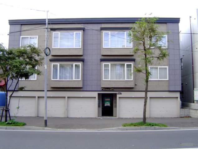 北海道札幌市南区、自衛隊前駅徒歩17分の築15年 3階建の賃貸アパート
