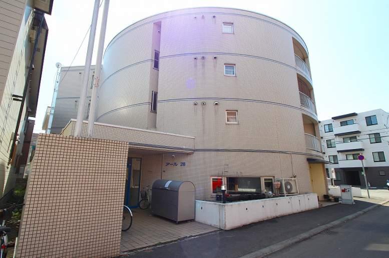 北海道札幌市豊平区、中の島駅徒歩9分の築28年 4階建の賃貸マンション