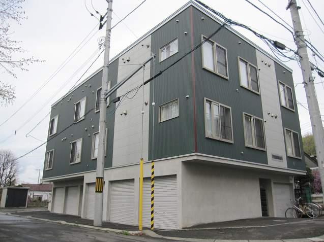 北海道札幌市南区、南平岸駅徒歩25分の築10年 3階建の賃貸アパート