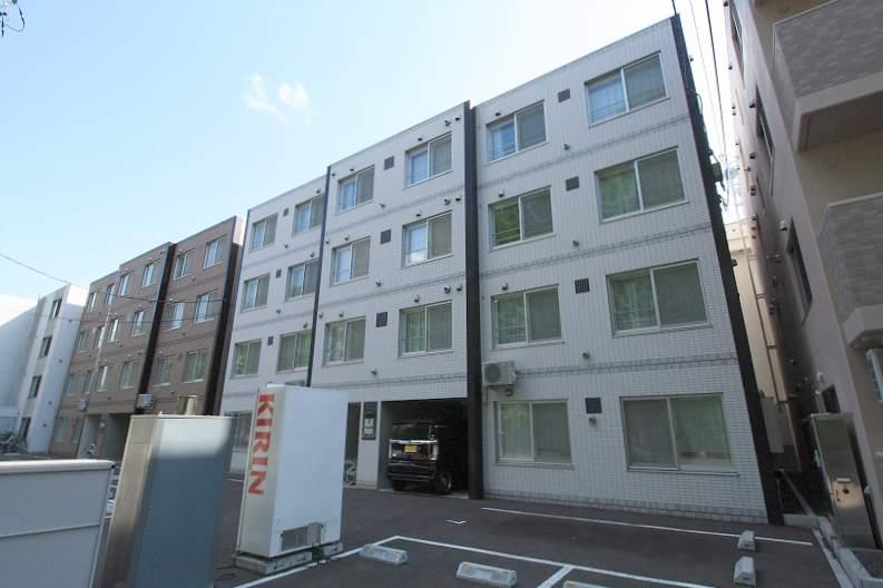 北海道札幌市豊平区、学園前駅徒歩17分の築4年 4階建の賃貸マンション