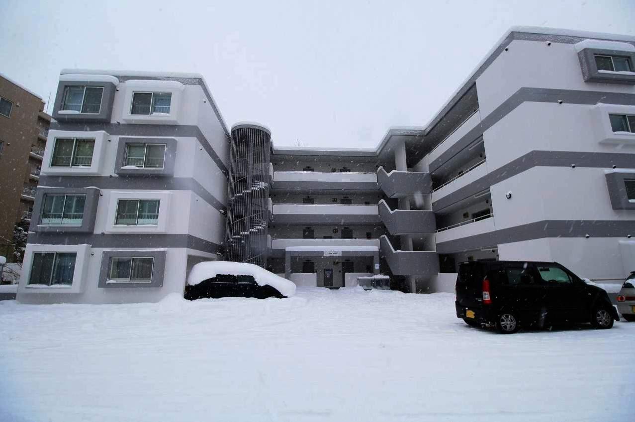 北海道札幌市豊平区、美園駅徒歩17分の築30年 4階建の賃貸マンション
