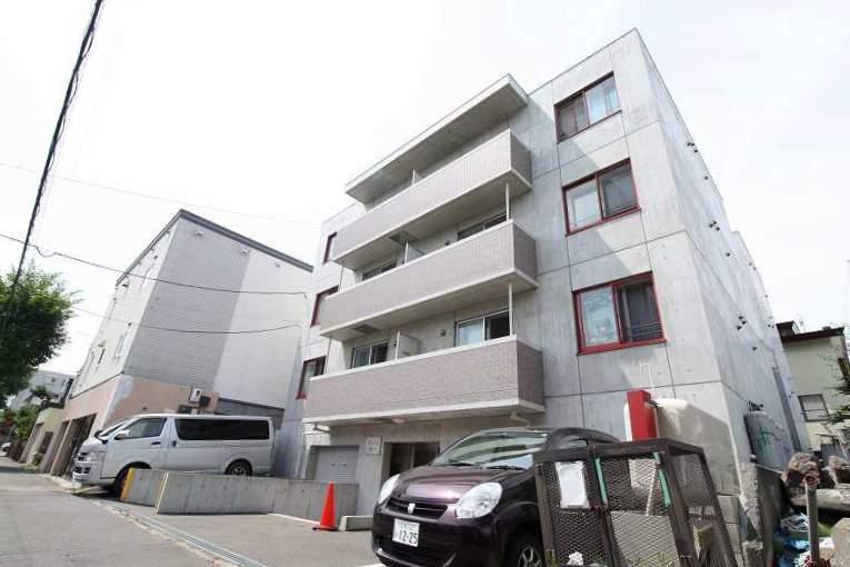 北海道札幌市南区、澄川駅徒歩15分の築8年 4階建の賃貸マンション