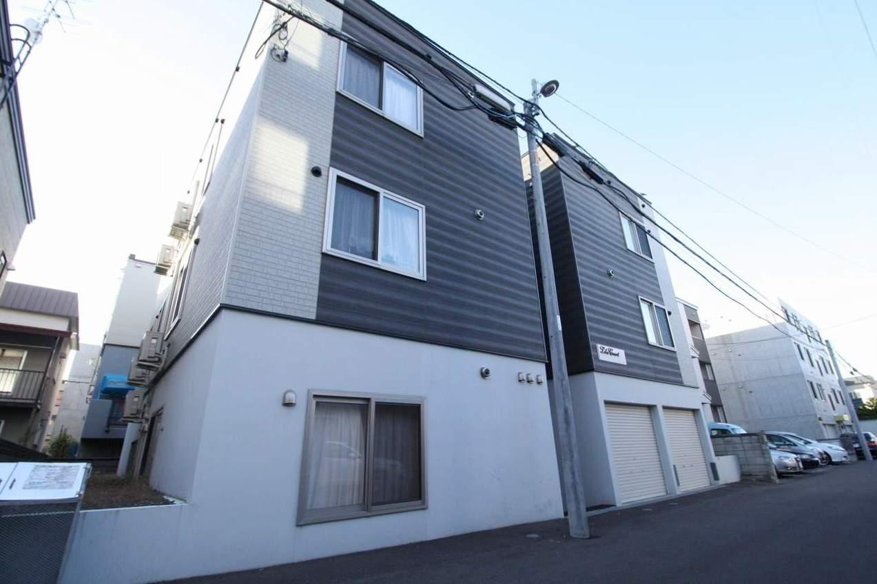 北海道札幌市南区、南平岸駅徒歩20分の築7年 2階建の賃貸アパート