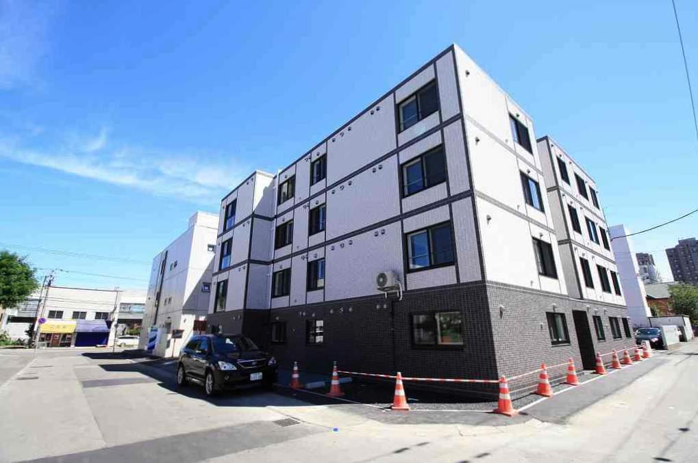 北海道札幌市南区、南平岸駅徒歩20分の築1年 4階建の賃貸マンション