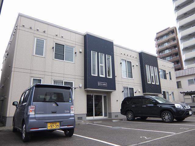 北海道札幌市豊平区、豊平公園駅徒歩13分の築10年 2階建の賃貸アパート