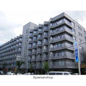 北海道札幌市豊平区、中の島駅徒歩11分の築42年 7階建の賃貸マンション
