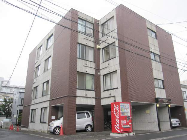 北海道札幌市豊平区、平岸駅徒歩17分の築28年 4階建の賃貸マンション