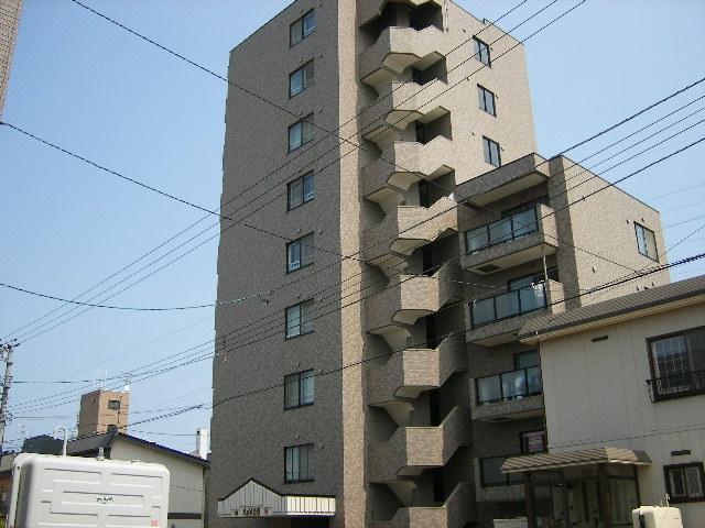 北海道札幌市豊平区、白石駅徒歩16分の築16年 9階建の賃貸マンション