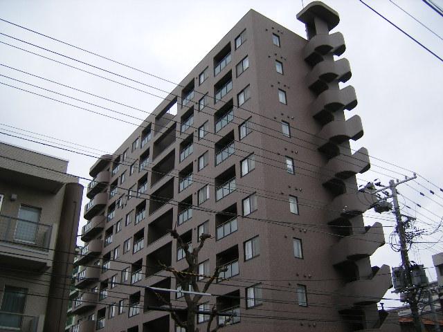 北海道札幌市豊平区、菊水駅徒歩7分の築13年 10階建の賃貸マンション