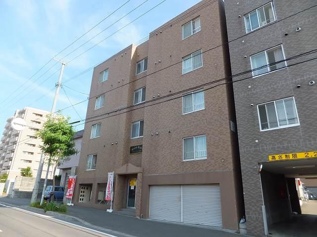 北海道札幌市豊平区、南平岸駅徒歩19分の築17年 4階建の賃貸マンション