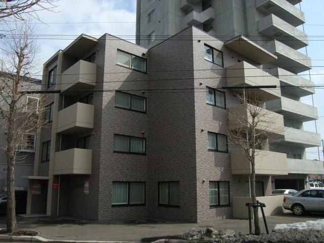 北海道札幌市豊平区、平岸駅徒歩17分の築14年 4階建の賃貸マンション