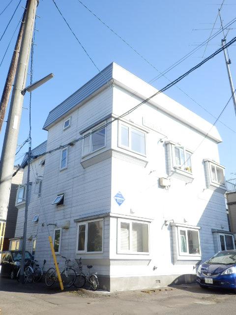 北海道札幌市豊平区、東札幌駅徒歩11分の築29年 3階建の賃貸アパート