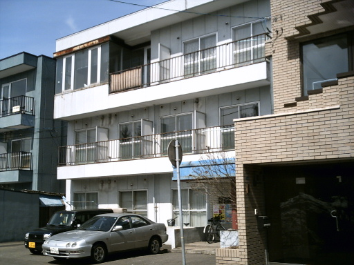 北海道札幌市豊平区、中島公園駅徒歩14分の築32年 3階建の賃貸マンション