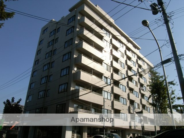 北海道札幌市豊平区、学園前駅徒歩17分の築32年 8階建の賃貸マンション