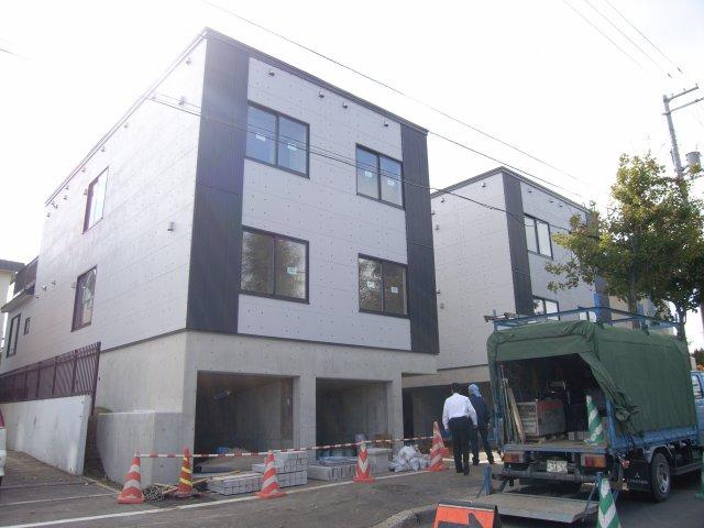 北海道札幌市豊平区、福住駅徒歩13分の築9年 2階建の賃貸アパート