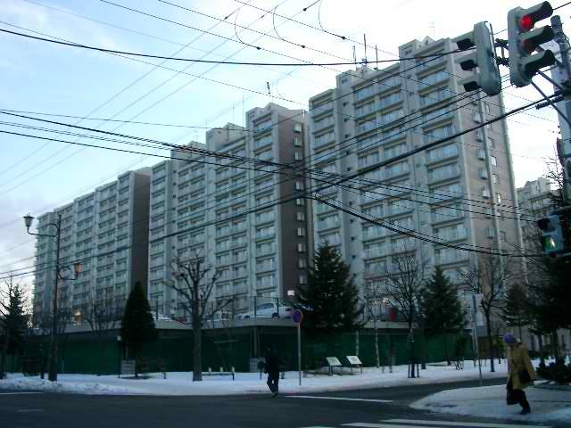 北海道札幌市厚別区、南郷18丁目駅徒歩19分の築28年 15階建の賃貸マンション