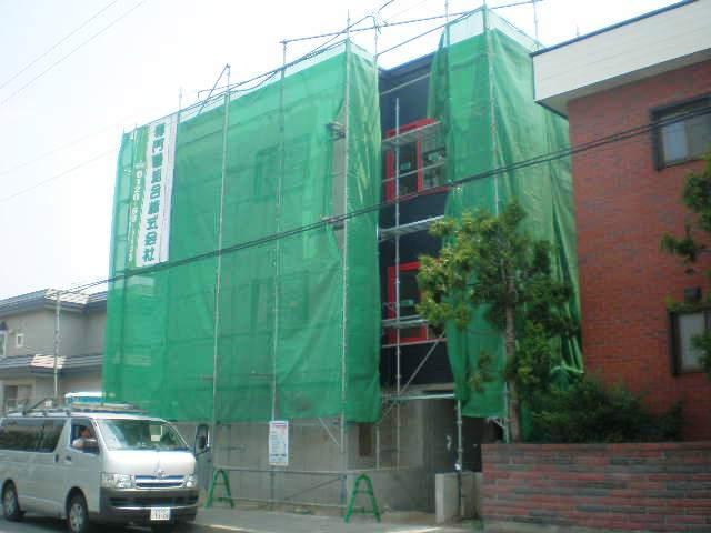 北海道札幌市白石区、平和駅徒歩9分の築9年 3階建の賃貸アパート