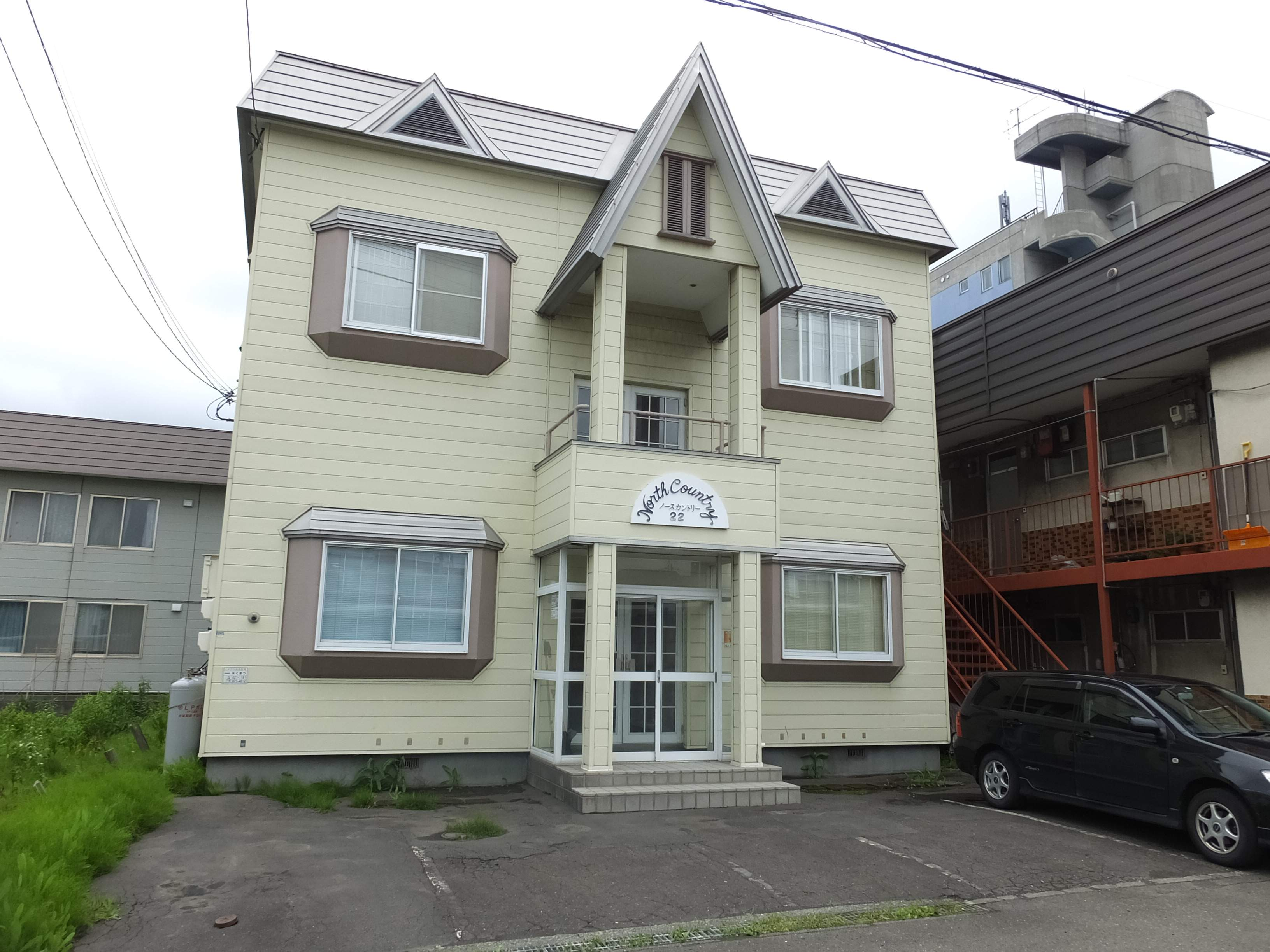 北海道札幌市白石区、白石駅徒歩14分の築28年 2階建の賃貸アパート