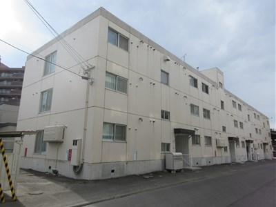 北海道札幌市厚別区、厚別駅徒歩12分の築31年 3階建の賃貸マンション
