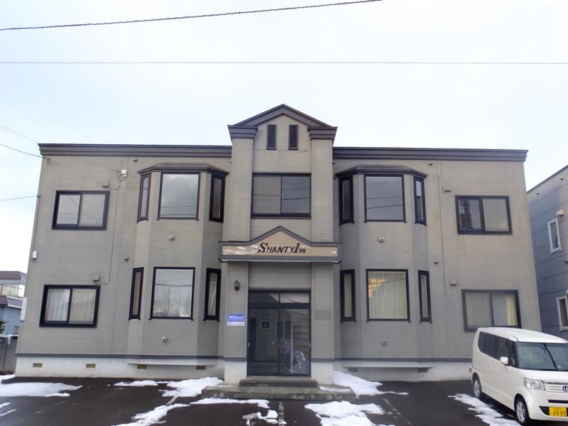 北海道札幌市白石区、平和駅徒歩30分の築21年 3階建の賃貸アパート