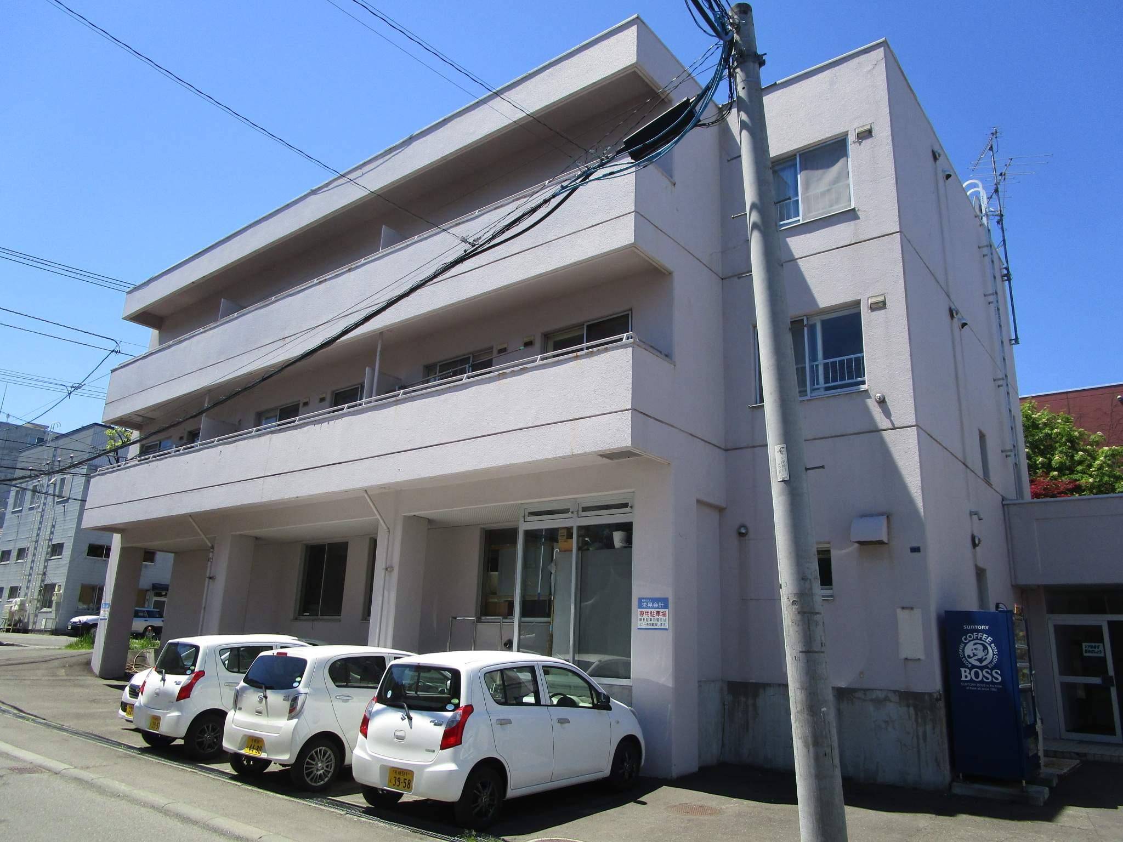 北海道札幌市白石区、白石駅徒歩20分の築30年 4階建の賃貸マンション
