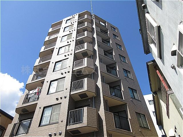 北海道札幌市白石区、バスセンター前駅徒歩12分の築16年 9階建の賃貸マンション