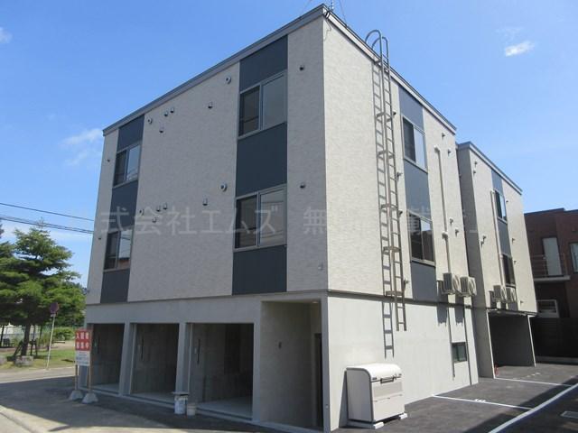 北海道札幌市厚別区、新札幌駅徒歩20分の新築 3階建の賃貸アパート