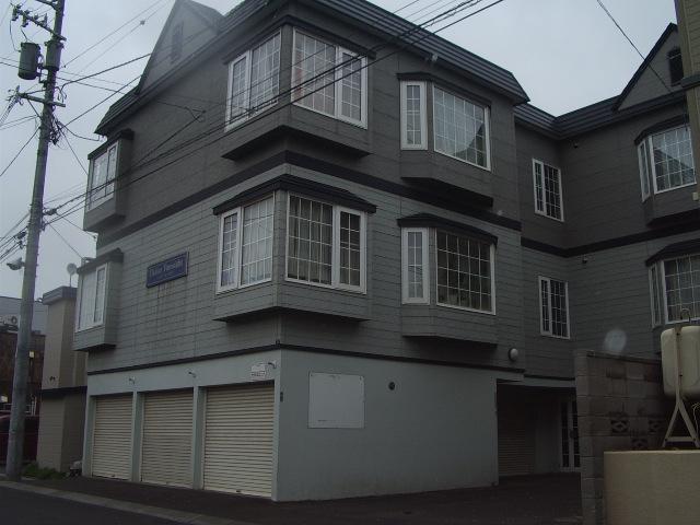 北海道札幌市白石区、白石駅徒歩14分の築21年 2階建の賃貸アパート