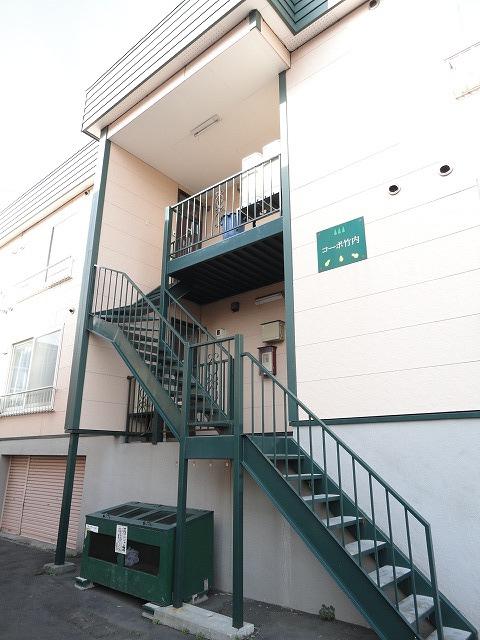 北海道札幌市白石区、白石駅徒歩19分の築26年 3階建の賃貸アパート