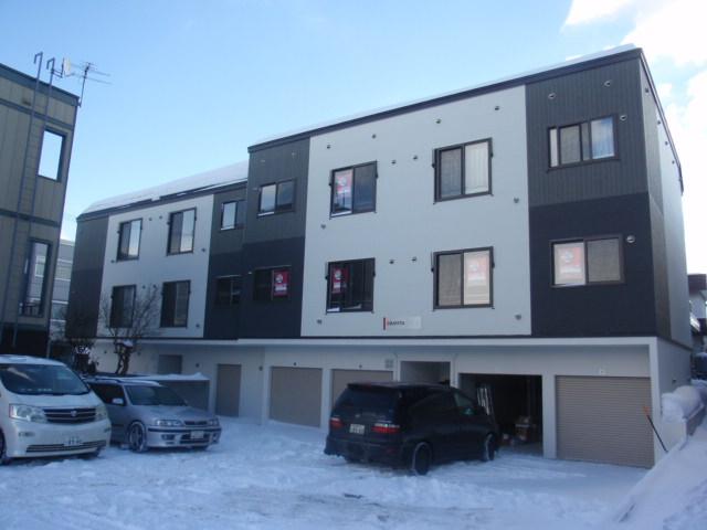 北海道札幌市白石区、平和駅徒歩17分の築5年 3階建の賃貸アパート