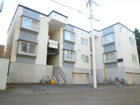 北海道札幌市豊平区、学園前駅徒歩20分の築16年 3階建の賃貸アパート