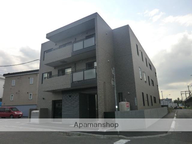 北海道札幌市厚別区、厚別駅徒歩7分の築3年 3階建の賃貸マンション